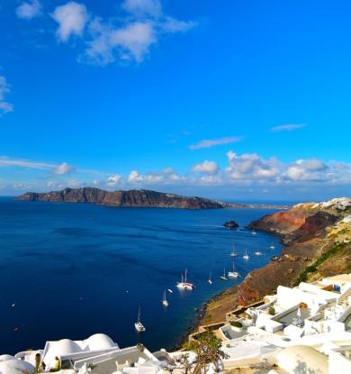 Deslumbre-se com o azul do Mar Egeu